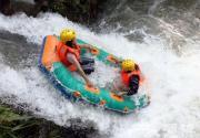 白河峡谷体验漂流