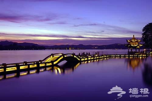 水上夜游搖曳風情 杭州夜晚三處最美風景