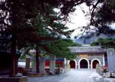跟着《非2》逛北京之潭柘寺