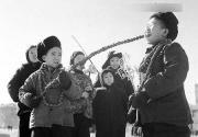 老北京60年代的元宵节:儿童最爱糖葫芦