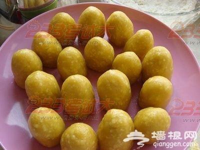 北京小吃:糖炒栗子与栗面窝头[墙根网]