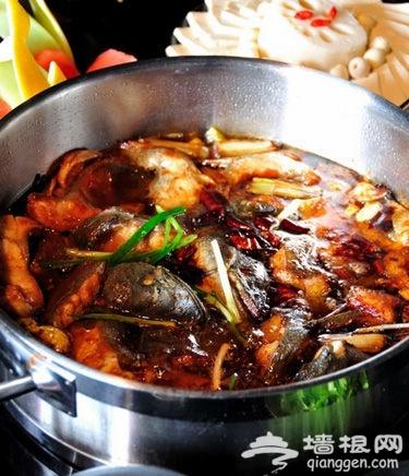 美食美色鲜火锅 美色利诱你的胃[墙根网]