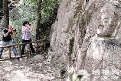 八达岭青龙谷景区6尊古佛面世