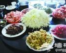 初冬菊花盛开在平谷餐桌上