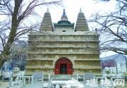 五塔寺的塔是如何排列的