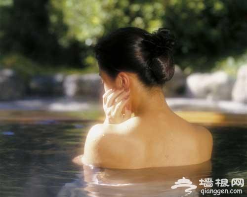 帝都泡汤时尚地 感受不同温泉水文化