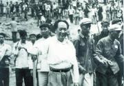 老照片记录毛泽东与十三陵