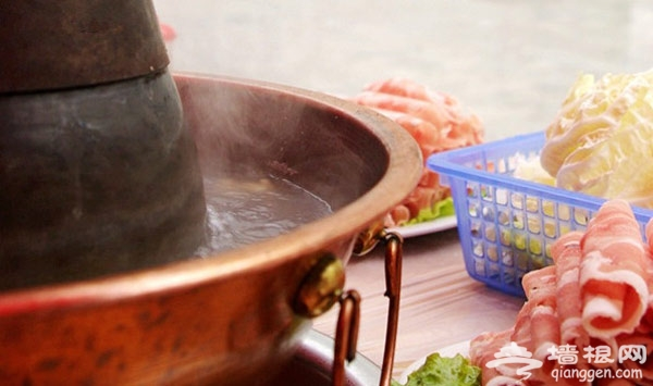 北京铜锅涮肉最火热 但你吃对了吗[墙根网]