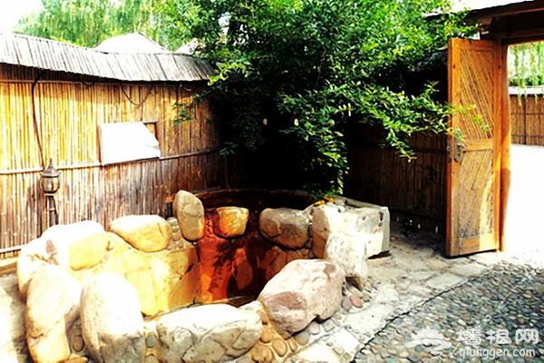 郁金香溫泉花園度假村 熱氣騰騰的原生態私享溫泉[墻根網]