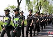 杭州西湖G20女子巡逻队亮相 网友:添美景
