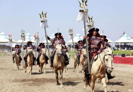 内蒙古第27届草原旅游那达慕大会开幕
