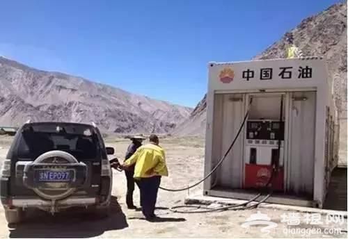 川藏线上加油站多不多?油价贵不贵?能够加到哪些油型[墙根网]