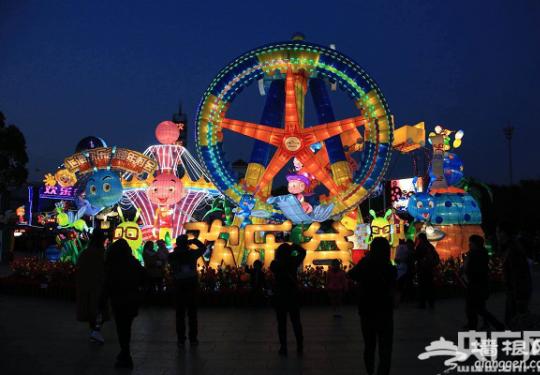 2017上海欢乐谷跨年灯会盛大亮灯