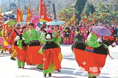 平谷丫髻山百年老花会喜迎元宵节
