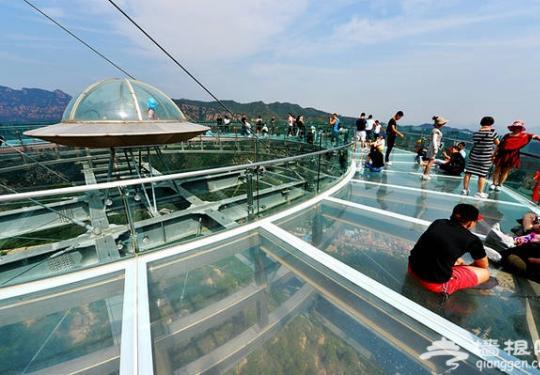 """北京周边的玻璃栈道,把美景""""踩""""在脚下"""