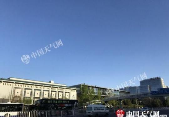 北京半马开跑:起点设在天安门广场
