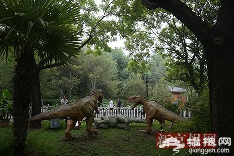 恐龙科普文化展亮相陶然亭公园