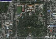 世界未解之谜:北京景山公园坐像,是巧合还是意外呢?
