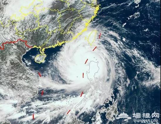 深圳机场停运 因台风来袭此举是为了更好保护乘客