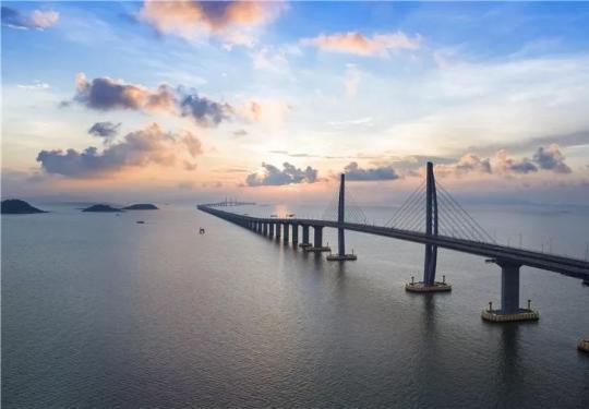 港珠澳大桥怎么解决左右行?一文看懂这座桥怎么走