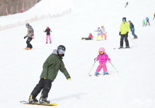 冬季健身好去处 北京市民快乐冰雪季系列活动周日启动
