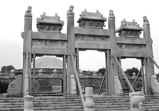 如今万泉庄泉宗庙牌坊究竟在哪里?曾为了修建张作霖的陵园被运走