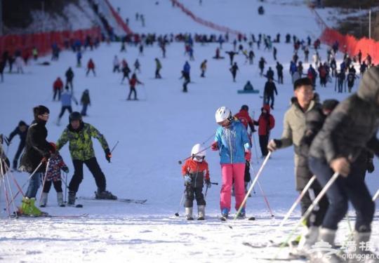 北京市区最近的冰雪嘉年华在静之湖拉开序幕