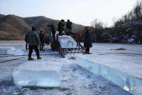 2019龙庆峡冰灯节预计1月中旬开幕 现进入取冰制作阶段