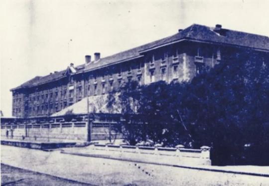 北大红楼一百年,216幅老照片亮相,蔡元培等人年轻时啥样?
