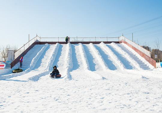 望和趣乐邦越野滑雪主题乐园