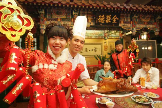 """老北京的年夜饭讲究""""四凉八热"""",压轴的一道却永远是它![墙根网]"""