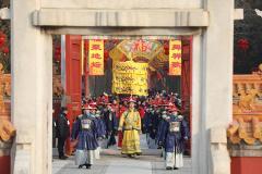"""2019地坛庙会迎客 """"新皇帝""""表演祭地"""