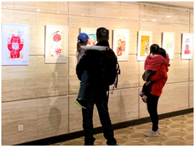 """""""年的味道""""中国儿童画国际巡展开展[墙根网]"""