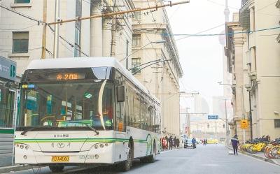 70条线路入选上海公交高品质线路 首末班发车准点率达到100%