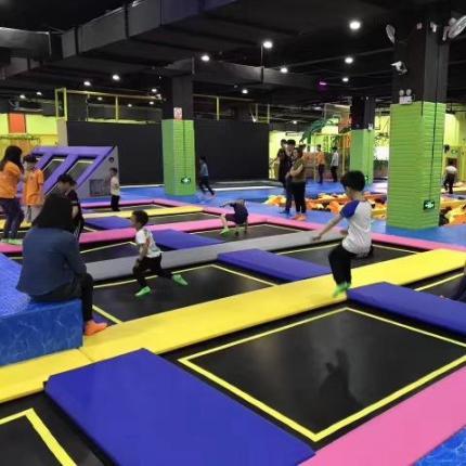 北京去哪里玩蹦床?北京多个蹦床主题公园优惠促销中