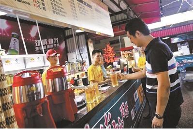 2000平方米啤酒花园开张点亮东城永外地区夜经济