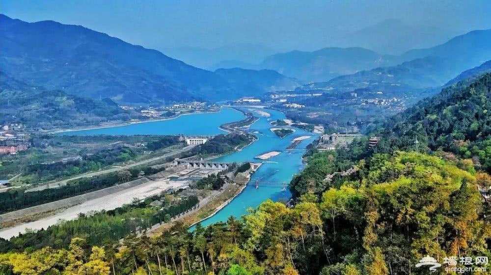 中国最适合自驾的3大撩人线路,八月风景美到爆[墙根网]