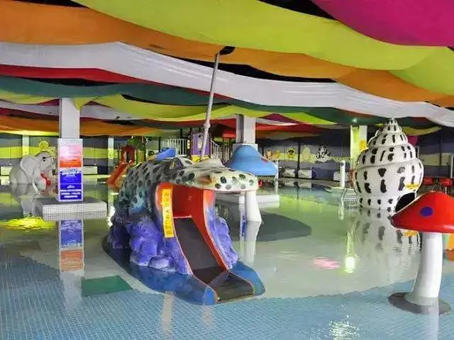 摩锐水世界火爆返场,儿童嬉水城堡+大海仿真冲浪+高室内水滑梯[墙根网]