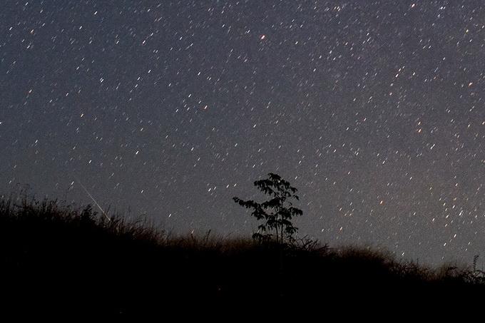 10月接連上演天象大戲,兩場流星雨點亮夜空,有一場就在今天[墻根網]