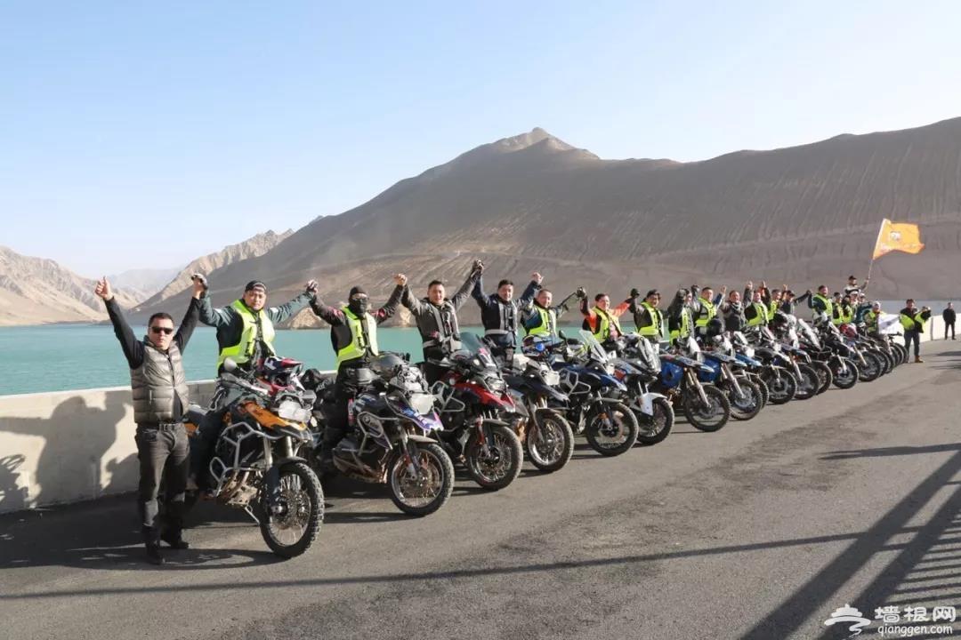 中国首次重型拉力摩托车赛环越塔克拉玛干[墙根网]