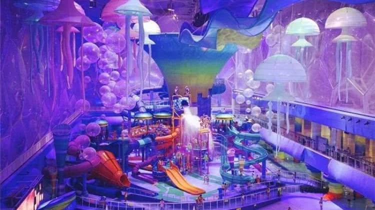 【朝阳区·嬉水】双旦狂欢价,每人低至79元!三人一票畅玩北京水立方嬉水乐园日场,20000㎡梦幻海底世界,暖冬热波节一起来浪~