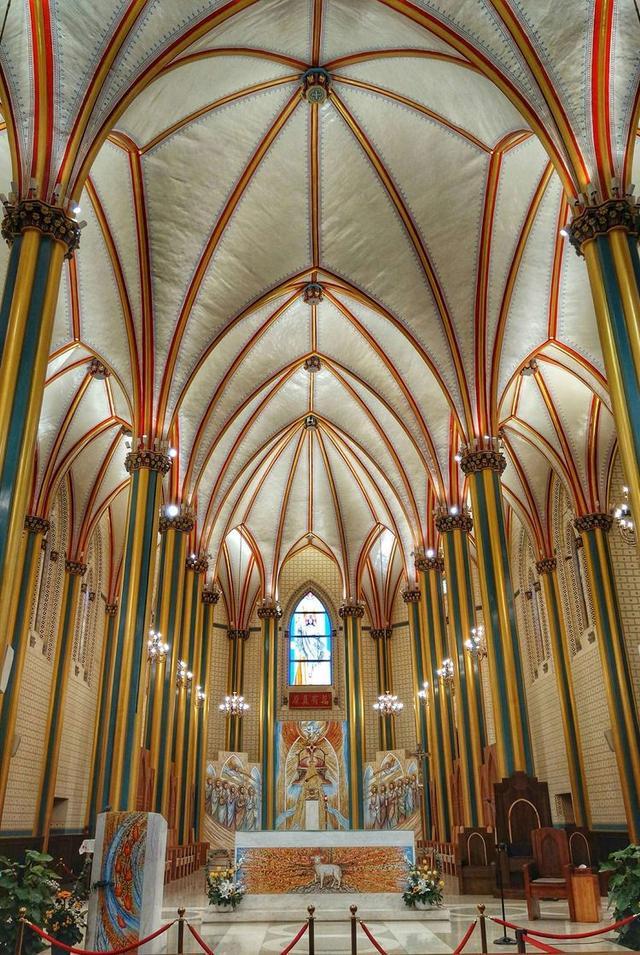北京地区最大的天主教教堂——西什库教堂[墙根网]