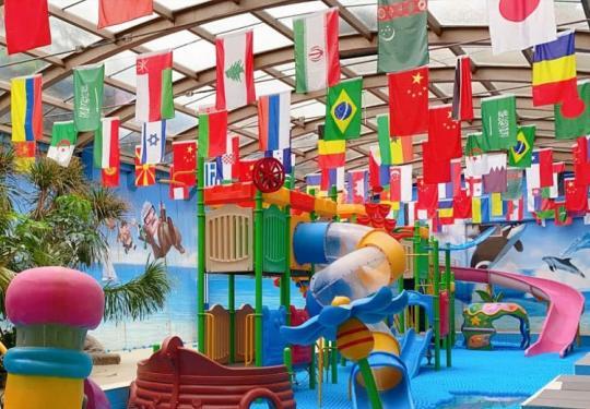 【海淀區】低至108元溫泉趴就選這里!暢享北京「大美溫泉城堡」 ,N個溫泉湯池隨意泡,海洋球嬉水樂園精彩滿滿,繁忙之外的輕松時光,開啟美好親子游~